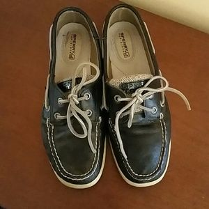 New Sperry shoes size 7 navy leather